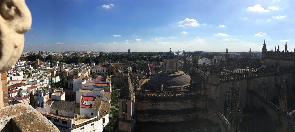Blick vom Turm der Kathedrale auf Sevilla
