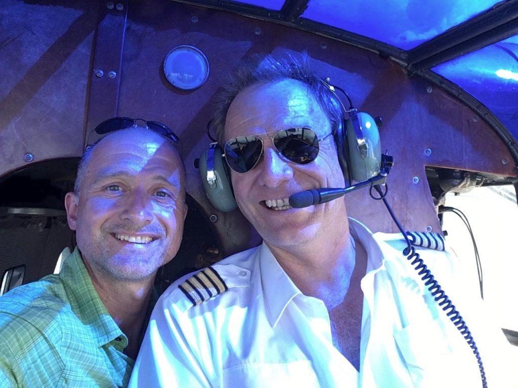 Flugkapitän Andreas Wild mit Hanns unterwegs