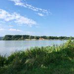 Blick zur Badehalbinsel Absberg am Kleinen Brombachsee