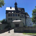Eingang zum Schloss Burgk