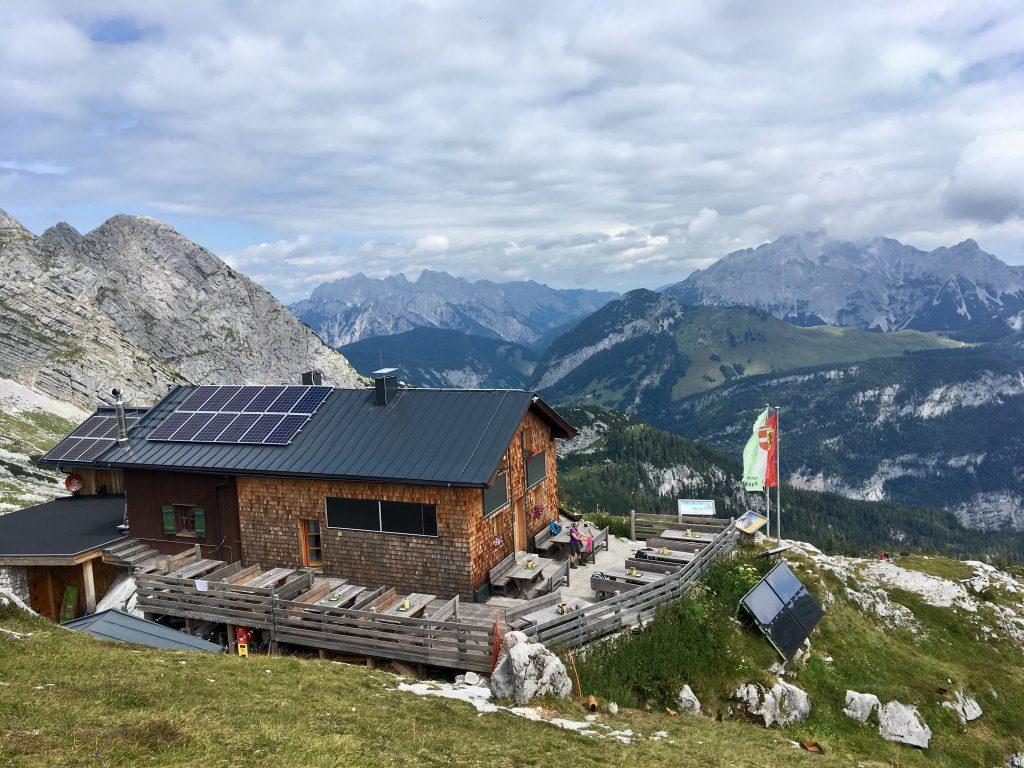 Passauer Hütte auf 2.051m