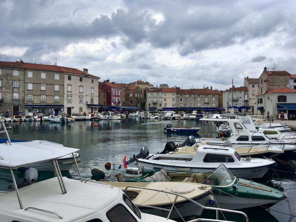 Fischerboote im Hafen von Cres