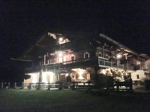 Voitlhof zum Zotzn bei Nacht