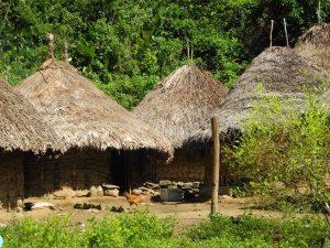 Typische Rundhütten der Kogi-Indianer