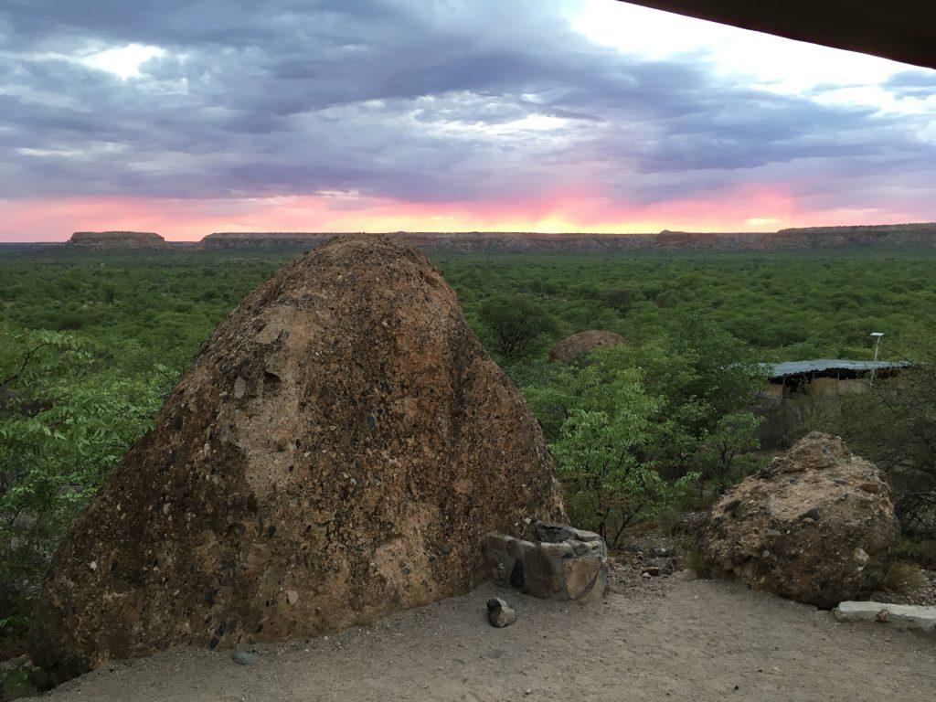 Sonnenaufgang an den Ugab Terrassen