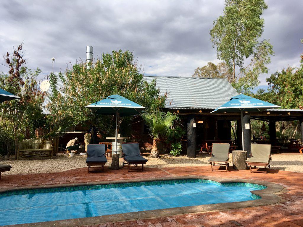 Pool im Urban Camp in Windhoek