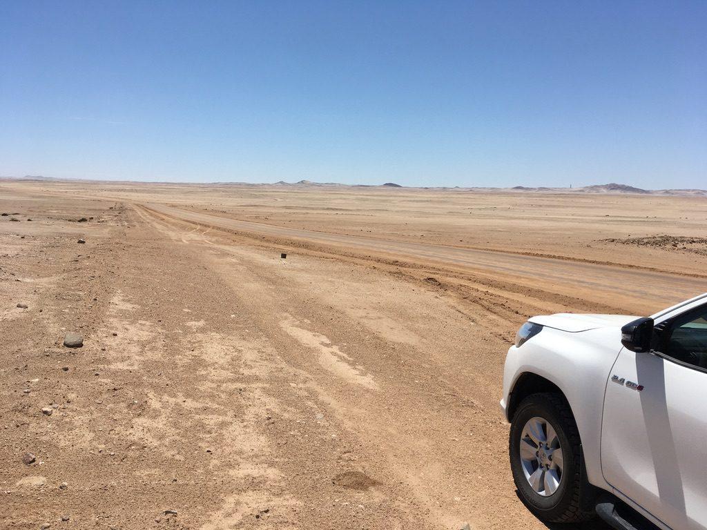 Endlose Leere bei der Namib-Durchquerung