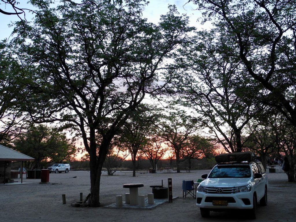 Abendstimmung im Halali-Camp im Etosha