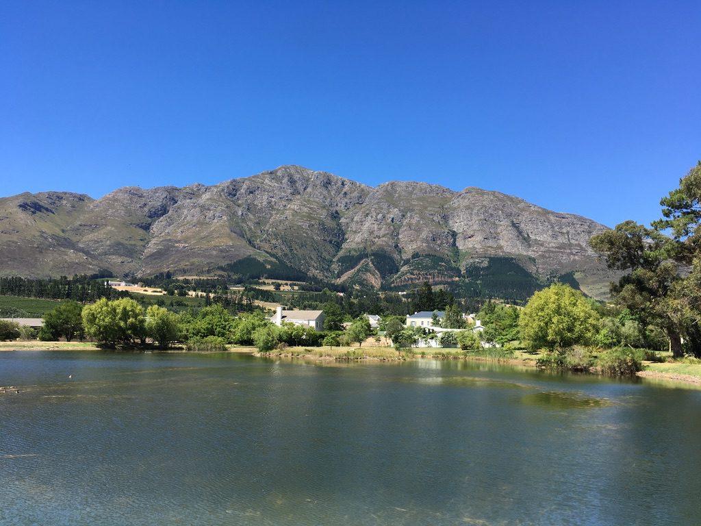Blick von Franschhoek in die Berge