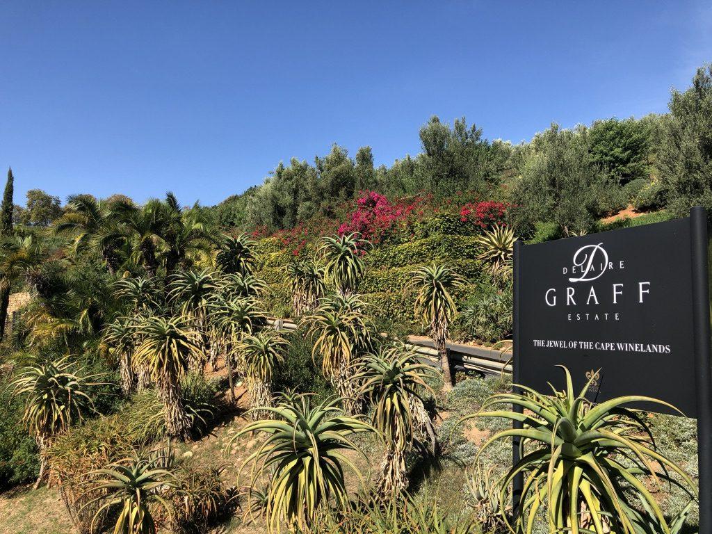 Einfahrt zum Delaire Graff Estate