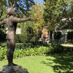 Überall Kunst im Garten des Grande Provence