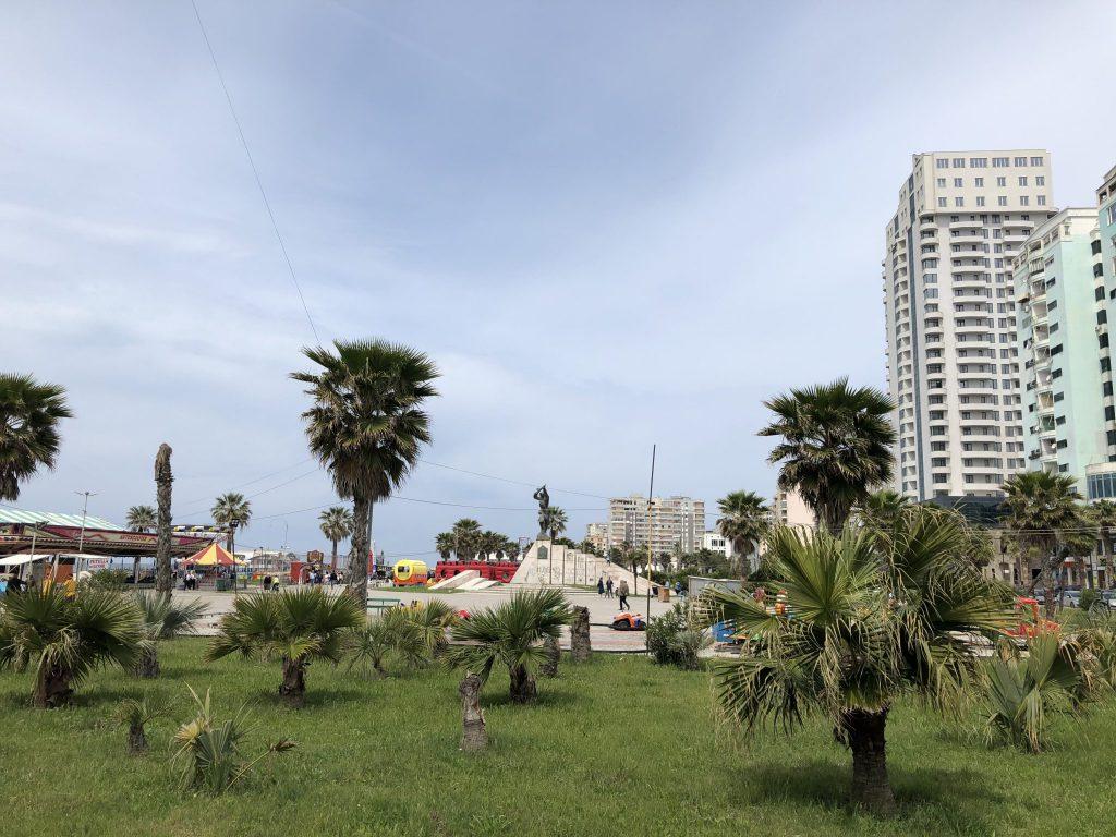 An der Strandpromenade von Durrës