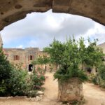 Hinterhalb der Basilika im Arkadi Kloster