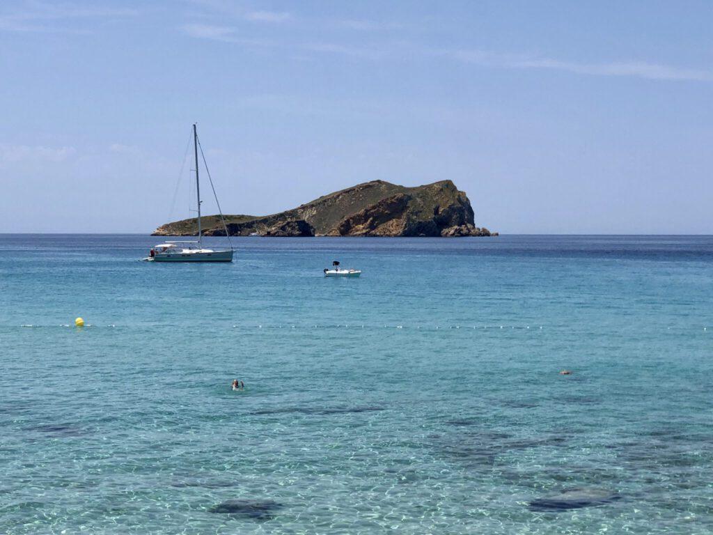 Insel vor den Platjes de Comte