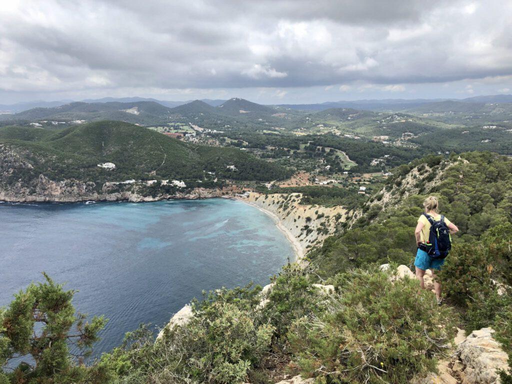 Hinunter zur Bucht Sol d'es Serra