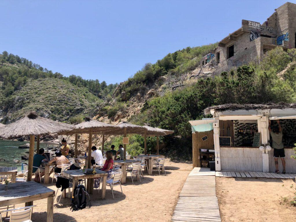 Kiosk an der Cala d'en Serra