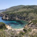 Strand mit Bauruine - Cala d'en Serra