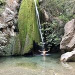 Am Wasserfall in der Ríchtis-Schlucht
