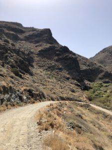 Steile Piste kurz vor der Cantina